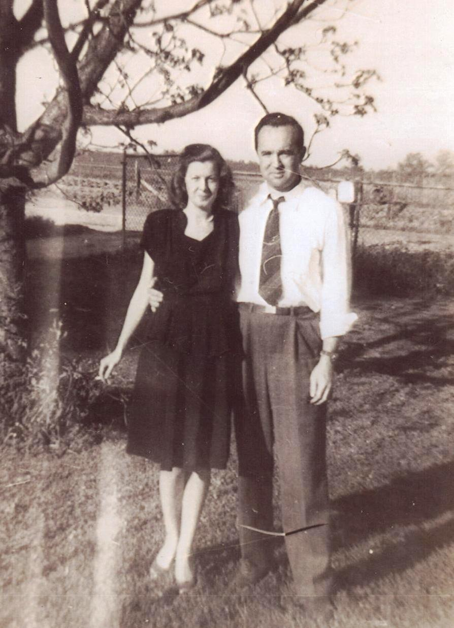 "Bill with his wife Annie ""Miss Sis"""
